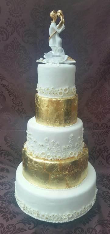 Goldene Hochzeitstorte